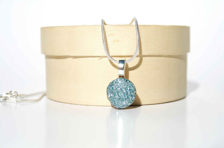 jewelry present
