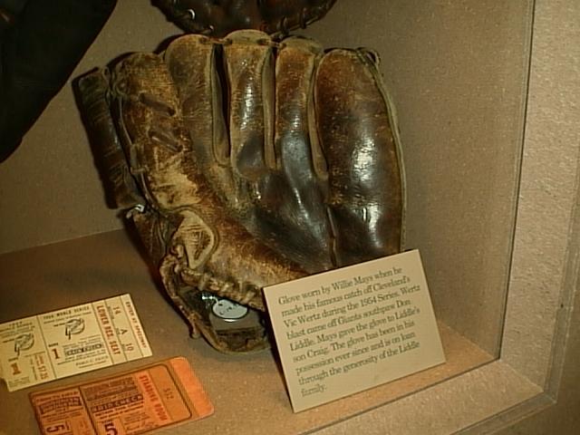 Willie Mays Glove