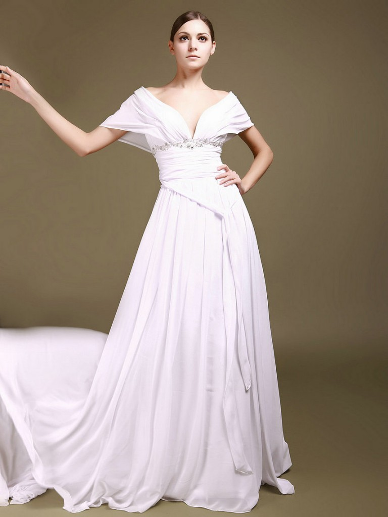 Hour-glass body wedding dress