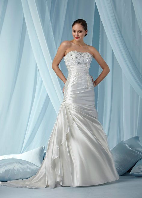 Wedding dresses Pear shaped body