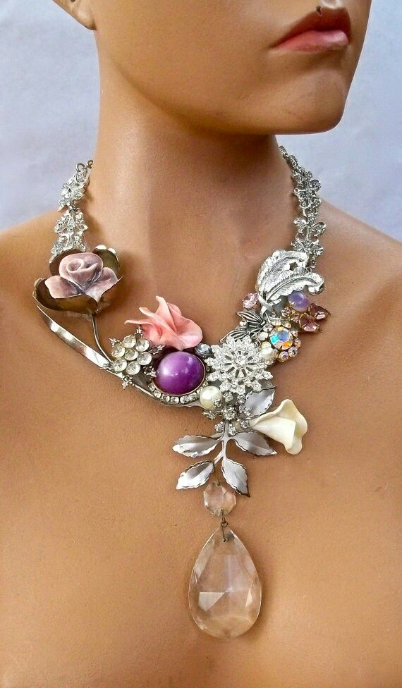 piece with a drop rhinestone and airy flowers min