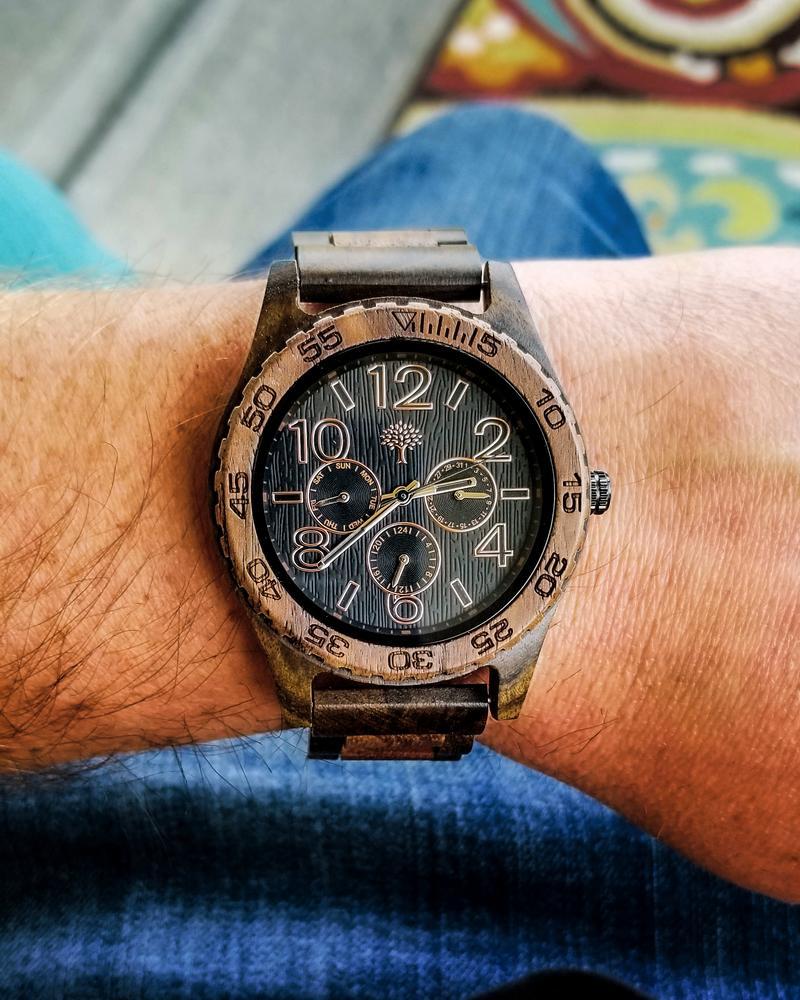 The Oakwood Watch Walnut