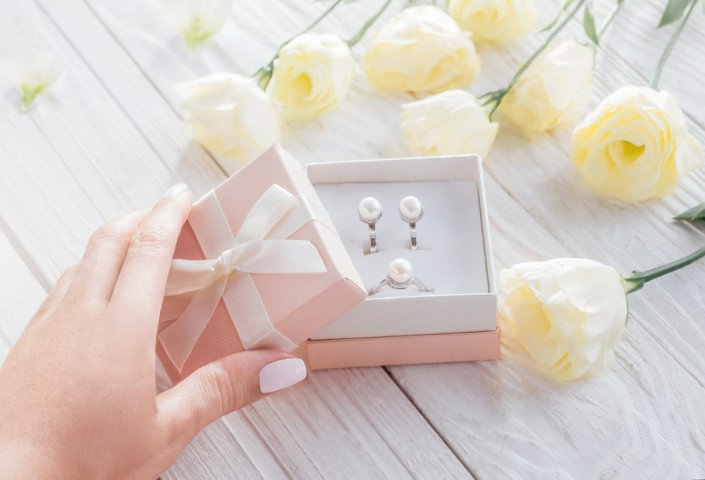 Jewellery Makes The Perfect Gift