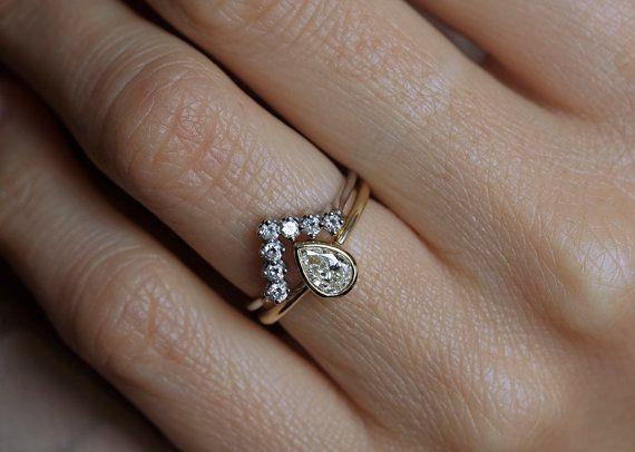 V-Shaped Diamond Engagement Ring