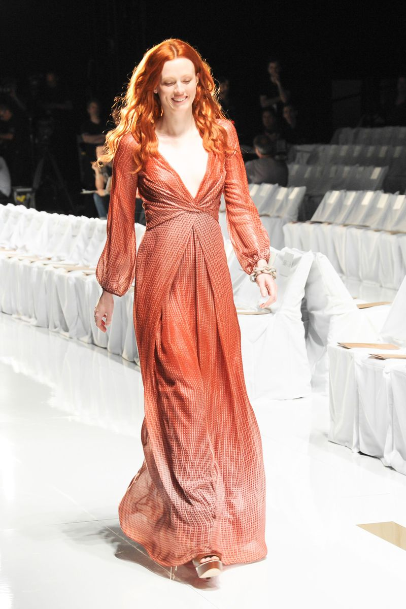 figure flattering dresses