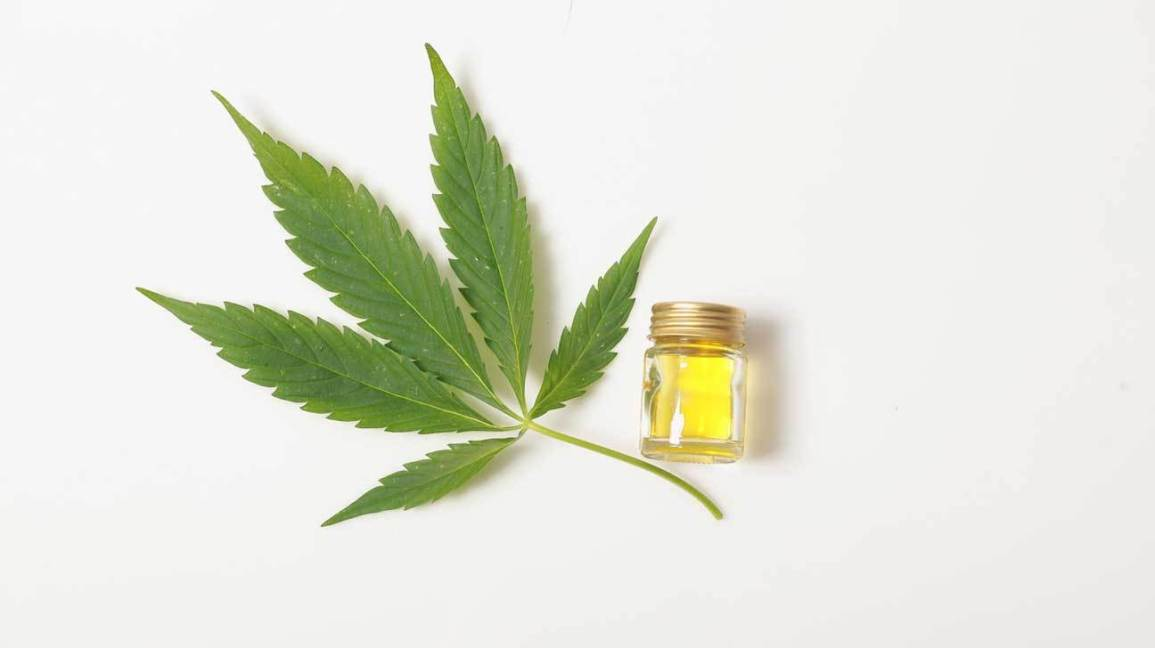 6 Positive Benefits and Uses of CBD Oil