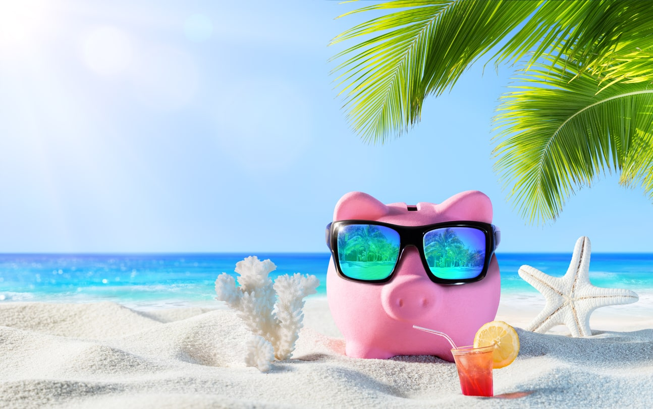 4 Tips to Save Money While Traveling