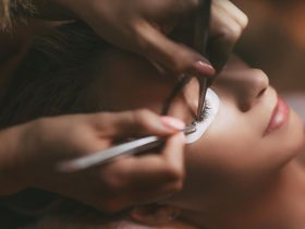 Getting Eyelash Extensions