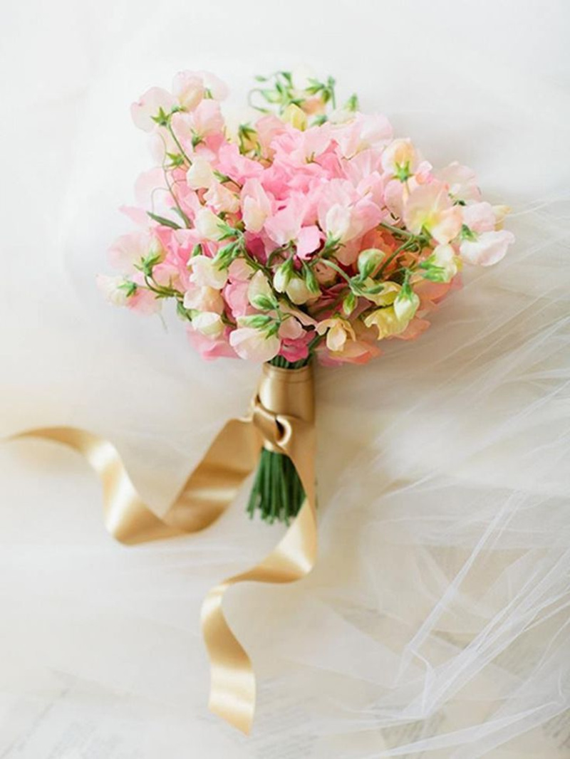 sweet peas flower bouquet