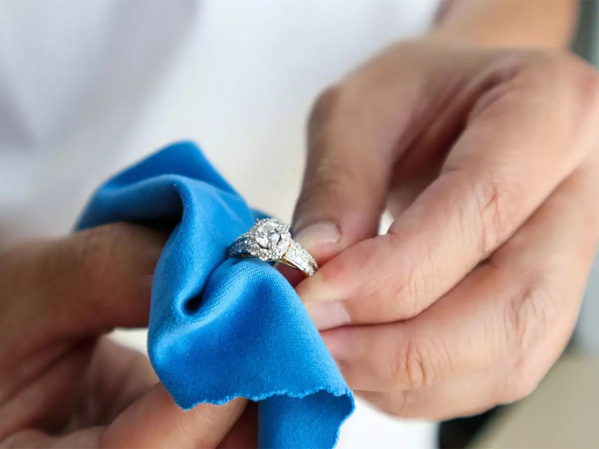 Tips To Clean Your Diamond Engagement Ring