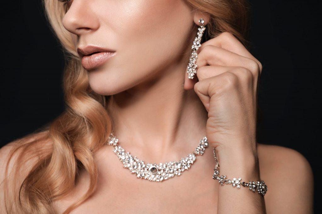 Jewelry To Match Wedding Dress 1